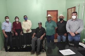 Visita do deputado Elizeu Nascimento e entrega o ofício para emenda parlamentar