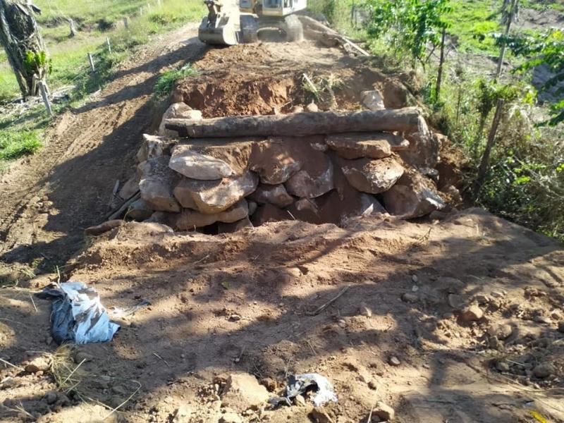 Secretaria de infraestrutura e Prefeitura restaura mais uma ponte na comunidade dos Quarenta Baiano
